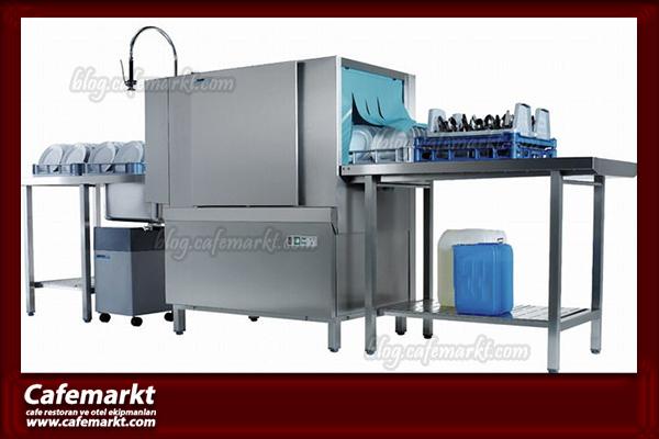 Konveyörlü bulaşık makinesi